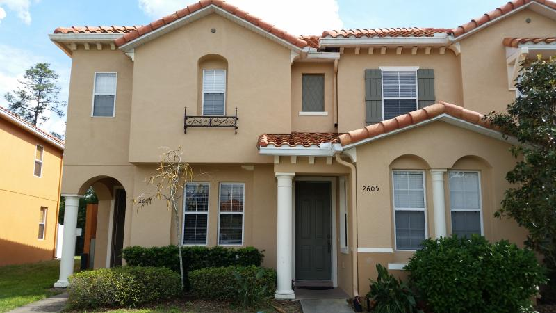 Front of the Property - Luxurious 3 Bedroom Townhome-1.5 miles from Disney - Kissimmee - rentals