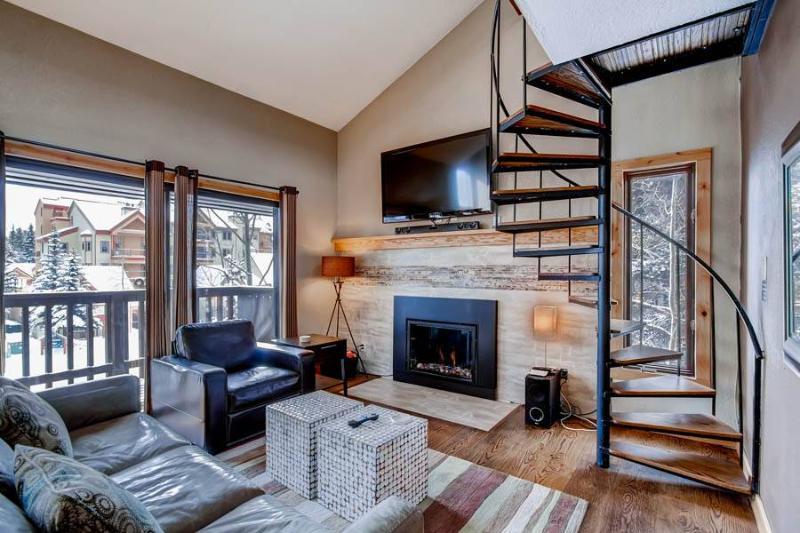 4 O'Clock Lodge A16 - Ski-In/Walk-Out - Image 1 - Breckenridge - rentals