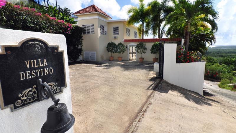 Gated Motor Court entrance to Villa - Villa Destino - Tropical Estate w/Private Pool - Isla de Vieques - rentals