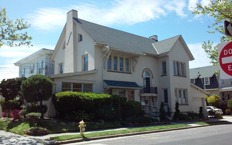 The Lucky Stars House - Walk to the Beach - Image 1 - Atlantic City - rentals