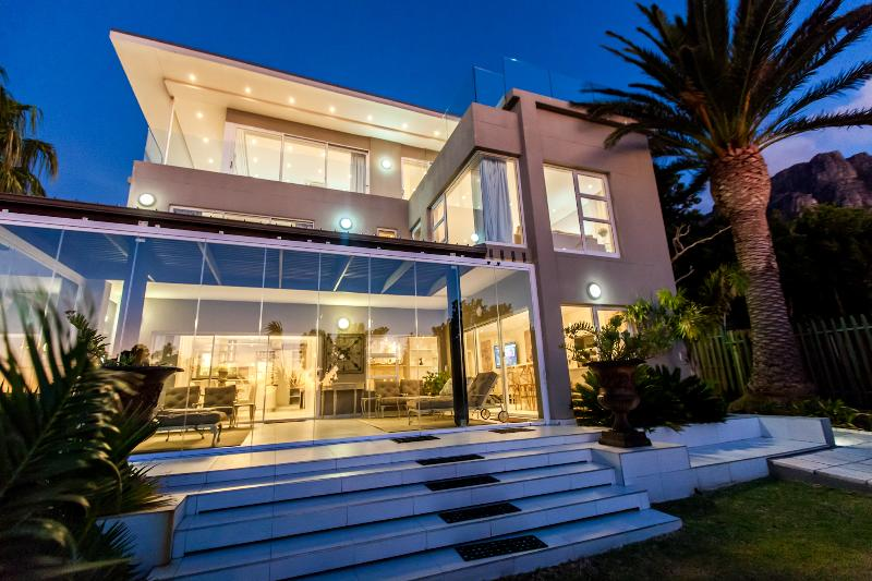 Camps Bay Luxury Villa - Image 1 - Camps Bay - rentals