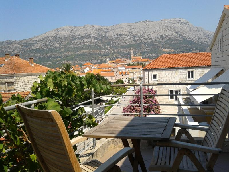 The Balcony - Room in the center of Korcula town - Yellow - Korcula - rentals