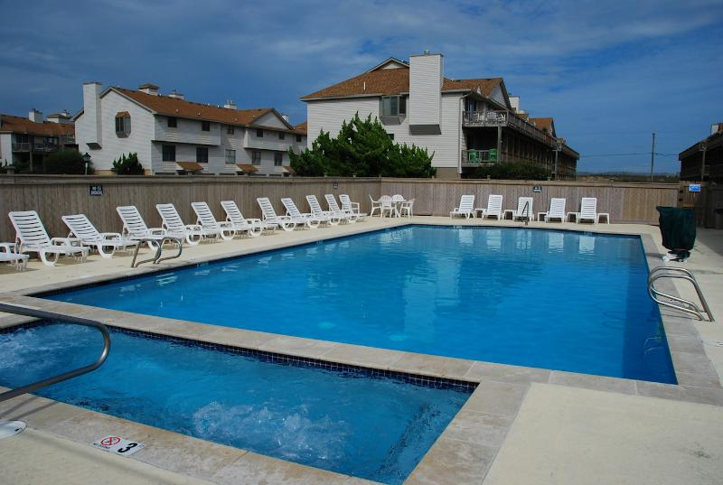 Guest-only seasonal pool and spa - Sea Dunes - 3BR, 3BA Town home - Kitty Hawk - rentals