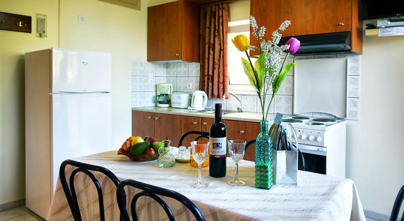 Melina's  House-3 room apartment 4-5 people, Chania West Crete - Image 1 - Kato Stalos - rentals