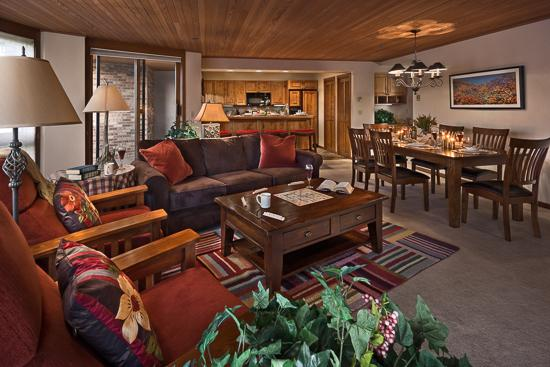 "Welcoming living room - ""Great Powder"" Specials : Save up to 25% at Chateau Chamonix : Dauphine - Steamboat Springs - rentals"