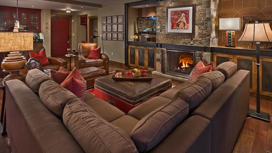 Spacious living room - Slopeside!  One Steamboat Place - Grouse Mtn - Steamboat Springs - rentals