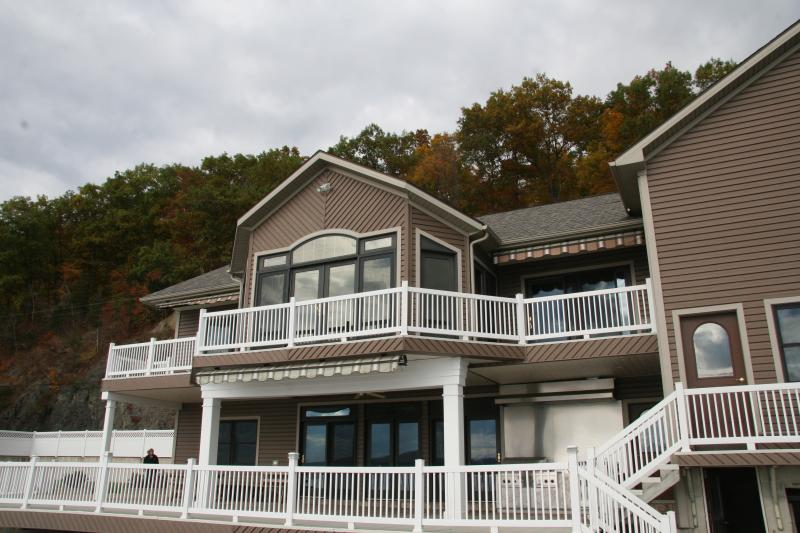 Lake Front Luxury -3800 sq. ft. on Cayuga Lake - Image 1 - Aurora - rentals