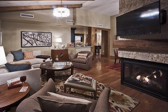 Warm and inviting living room - Edgemont 2BR - Skyfall - Steamboat Springs - rentals
