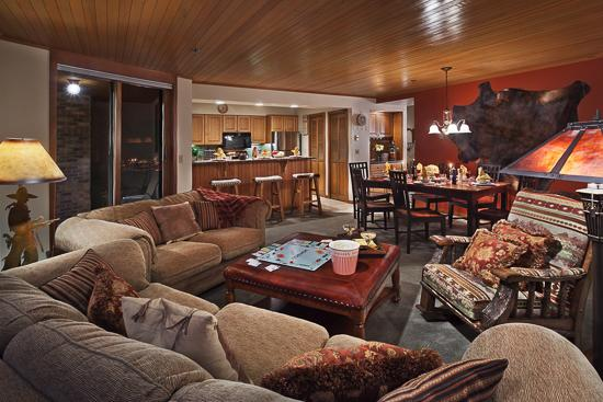 Warm and inviting great room - Chateau Chamonix : Montabella - Steamboat Springs - rentals