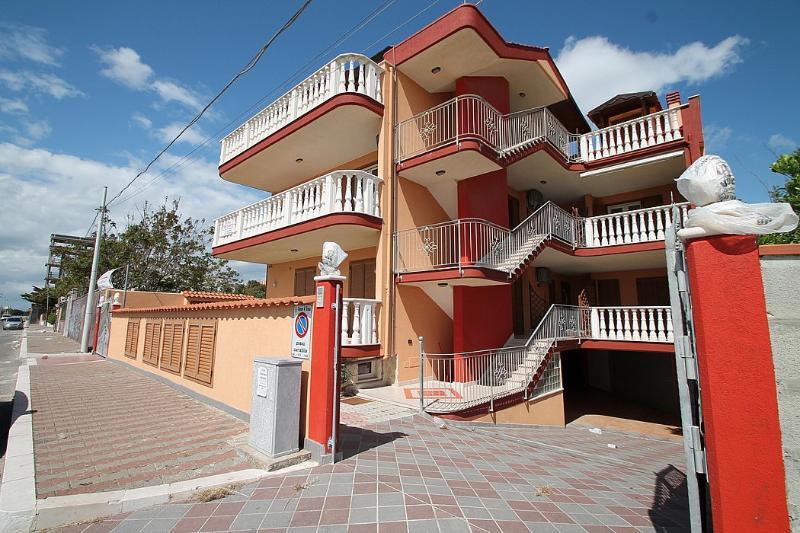 Casa Airone - Image 1 - Marina di Ginosa - rentals