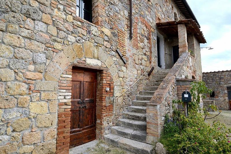 Casa Scoiattolo A - Image 1 - Casole D'elsa - rentals