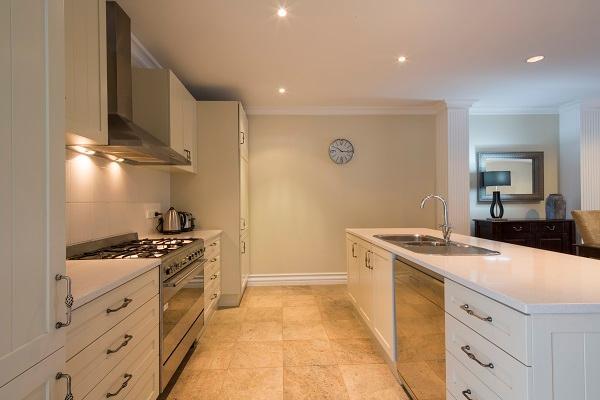 Lake Esplanade Villa: Fully equipped entertainers kitchen - Lake Esplanade Villa Queenstown - Queenstown - rentals