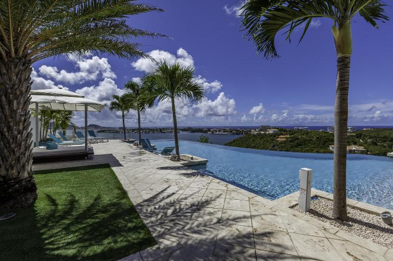 Acqua, Terres Bsses, St Martin - ACQUA...gorgeous 5BR villa with spectacular views, heated pool, & gym!! - Terres Basses - rentals