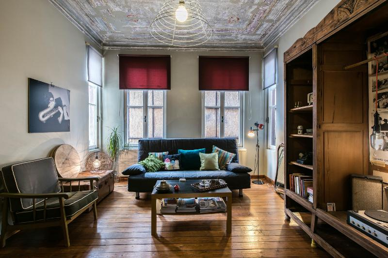 Living Room - Galata Charm+High Ceilings+ 4Rooms - Istanbul - rentals