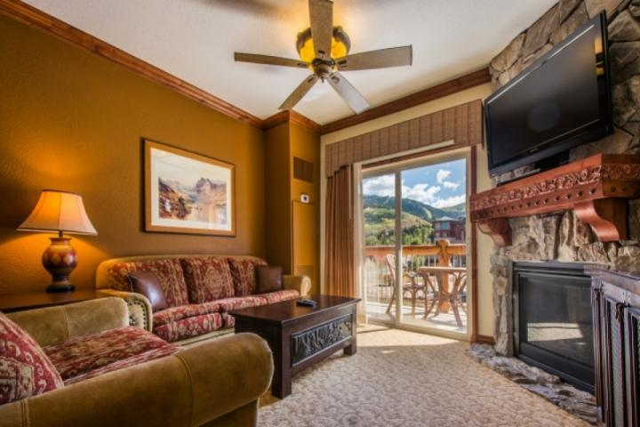 Located at the base of Canyons Resort, this Westgate ski-in / ski-out condo features 1 bedroom, 1 bathroom, jetted tub, steam shower and balcony. - Westgate 1 Bedroom Suite Mountain View - Park City - rentals