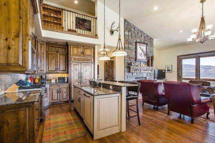 This beautifully decorated Deer Valley townhouse features 4 bedrooms, 4.5 bathrooms and boasts all things luxury! - Deer Valley Jordanelle - Heber City - rentals