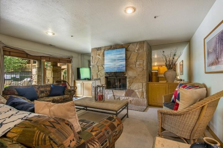 Located just 200 yards from the First Time chairlift at Park City Mountain Resort is this perfectly situated 2 Bedroom, 2 Bathroom, All Seasons condo. - All Seasons 2 Bedroom Condo - Park City - rentals