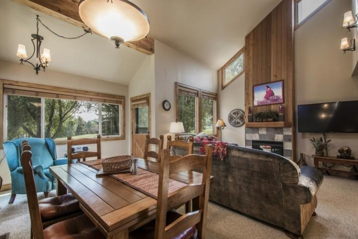 Adjacent to the living room is a large formal dining room with mountain furniture, chandelier and seating for six (6) people comfortably. - Three Kings 3 Bedroom Chairlift View #9 - Park City - rentals