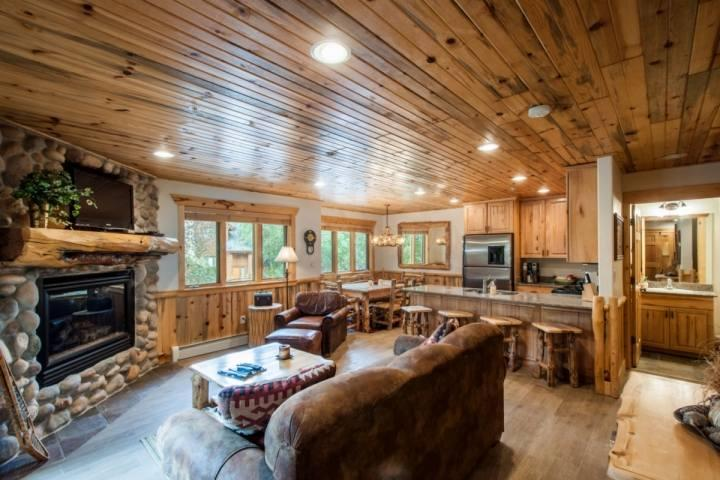 This 2-bedroom, 2.5-bath condo Timber Wolf condo features an elegant mountain lodge exterior and stunning interior with mountain timber furnishings. - Timber Wolf 2 Bedroom at Canyons - Park City - rentals