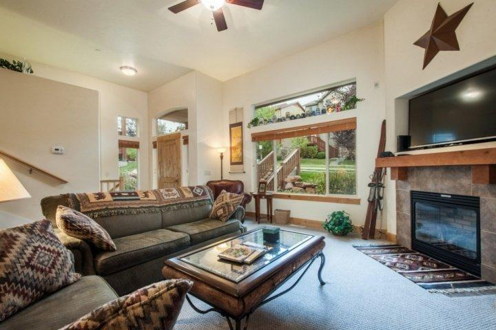 "The living room features all the furnishings and technology you could want including large plush couches, gas fireplace and 60"" HDTV with Direct TV. - Bear Hollow 4 Bedroom at Canyons - Park City - rentals"