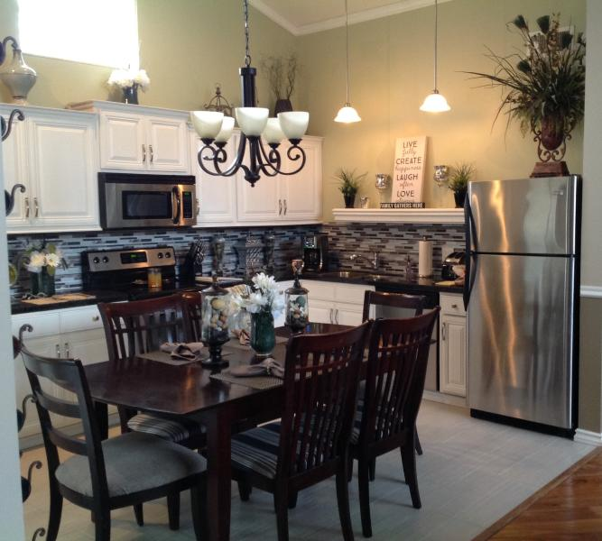 Gorgeous newly redesigned kitchen with everything you will need. - Peaceful & Relaxing home in the Tall Pines - Flagstaff - rentals