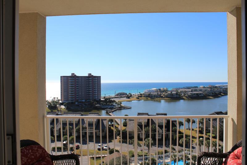 Wonderful view - 2 bedoom plus bunk room! Greaty views Great rates! - Destin - rentals