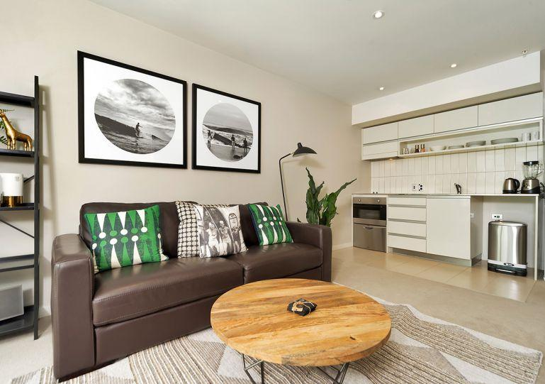 Open plan living room - One Bedroom Apartment in Viaduct Harbour Auckland with Carpark - Auckland - rentals