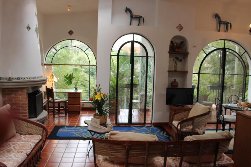 Villa Escondida-Your Private Mexican House w/ Trop - Image 1 - Cuernavaca - rentals