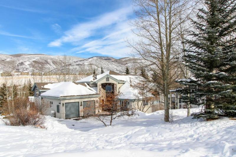 Immaculate and palatial dog-friendly estate in Eagle Vail - close to skiing - Image 1 - Beaver Creek - rentals