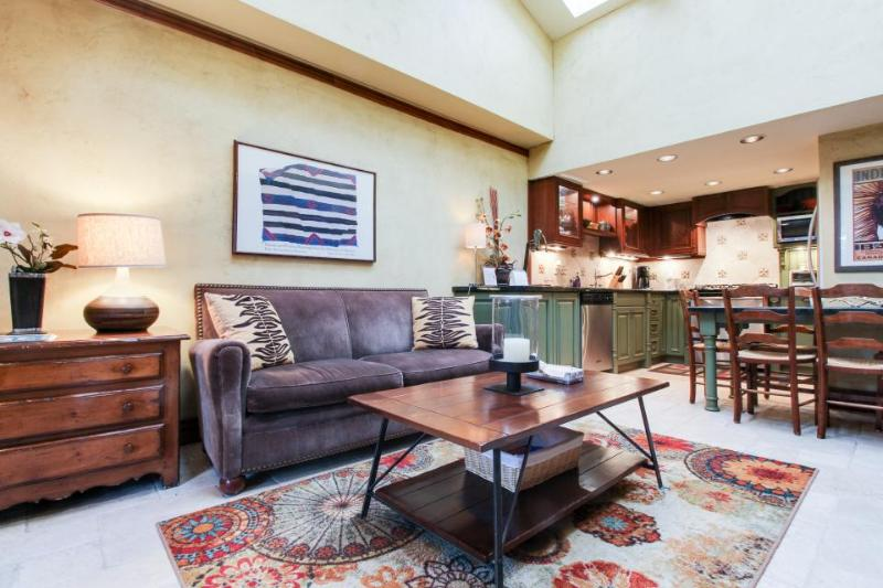Well-appointed condo in the heart of Aspen Core - walk to everything! - Image 1 - Aspen - rentals