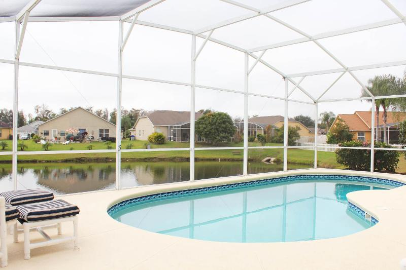DISNEY ORLANDO LAKE 4 BED LUXURY POOL VILLA - Image 1 - Kissimmee - rentals