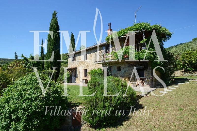 Typical Tuscan Stone Farmhouse Near Cortona - Image 1 - Cortona - rentals