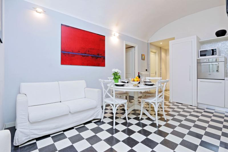 Rome Vacation Rental - Living room with kitchen - Rome Vacation Rental near Colosseum Roman Forum - Rome - rentals