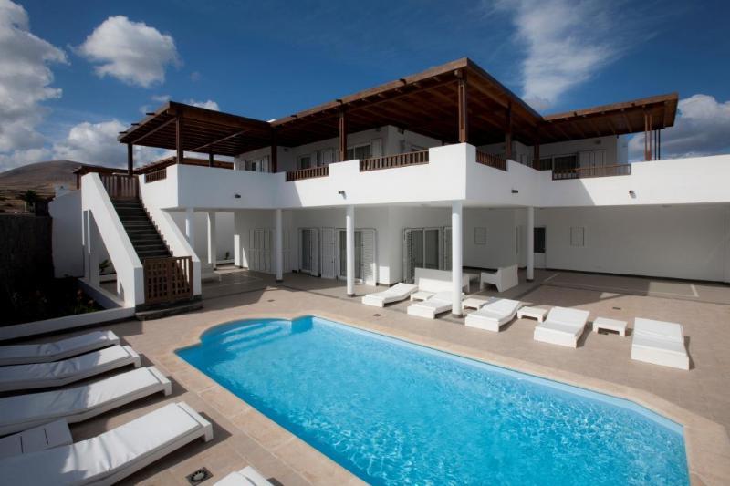 Villa LVC198342 - Image 1 - Puerto Calero - rentals