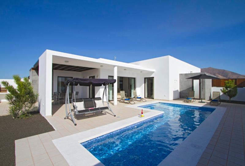 Villa LVC219275 - Image 1 - Playa Blanca - rentals