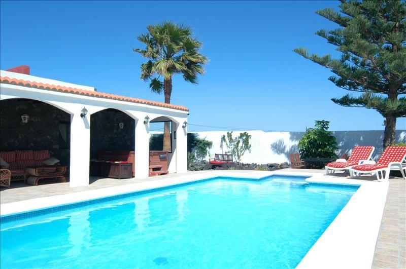 Villa LVC198544 - Image 1 - Guime - rentals