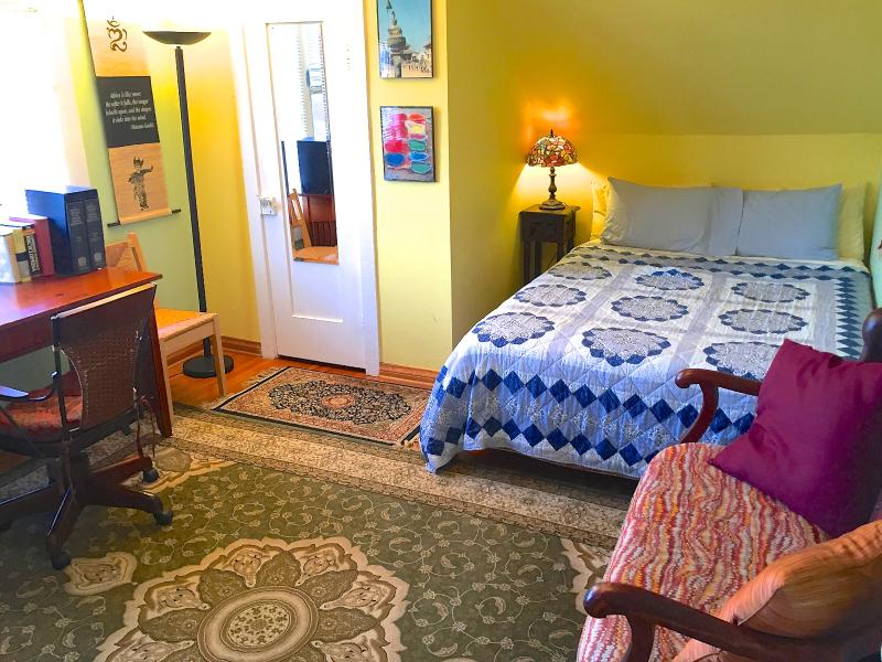 The Hideaway's  'Himalayan' bedroom features a writing desk and upright piano (unseen here) - $20/nt OFF OUR GORGEOUS HOME NEAR BEACH-FREE BIKES - Santa Monica - rentals