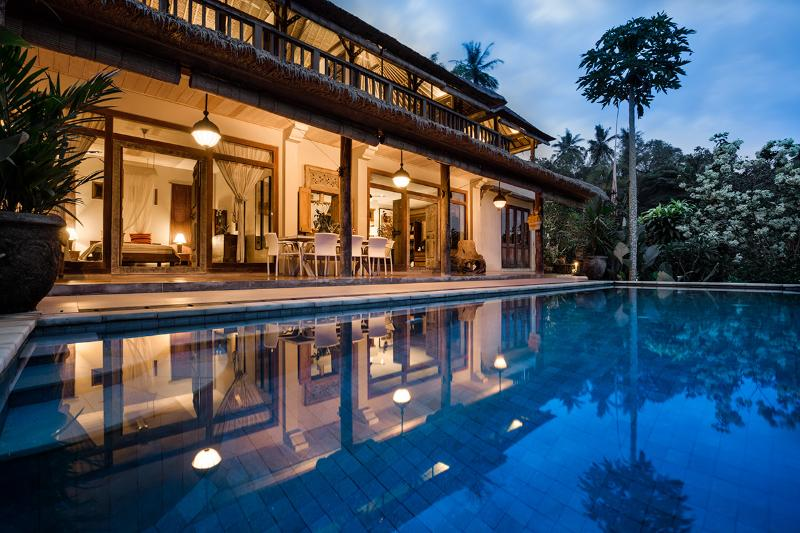 Villa Sagitta at night - a perfect place to relax after a busy day's sightseeing - Villa Sagitta: Tranquility & peace 7km from Ubud - Ubud - rentals