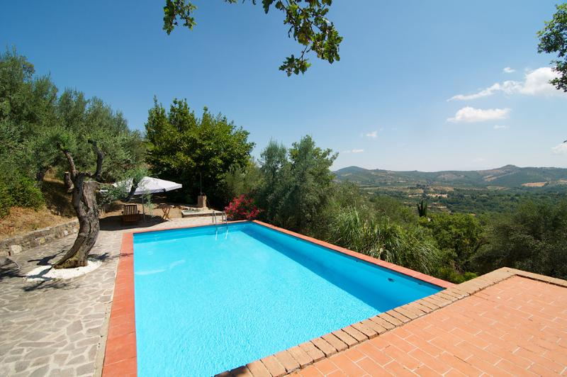 """PRIVATE POOL WITH STUNNING VIEWS AT VILLA BELVEDERE - """"Villa BELVEDERE"""" SLEEP 6/8 SPECIAL PRICES 2016 - Panicale - rentals"""
