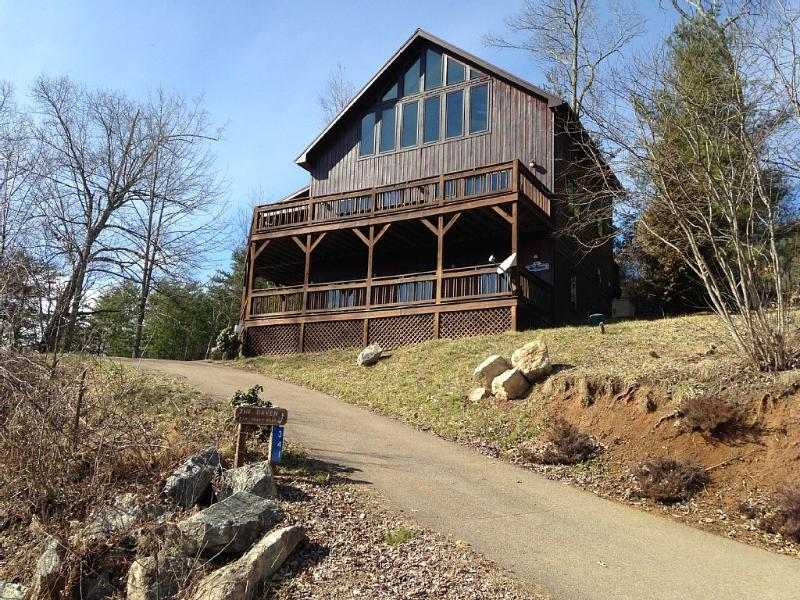 Mountain Lake Cabin With Gorgeous Views - Image 1 - Butler - rentals