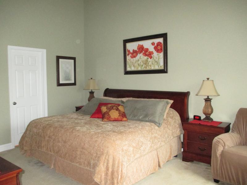 master bedroom king bed with soaker tub walkin shower double sink walkin closet - BarefootResortSale 450wkEarlyDec 1500DecJanFeb - North Myrtle Beach - rentals