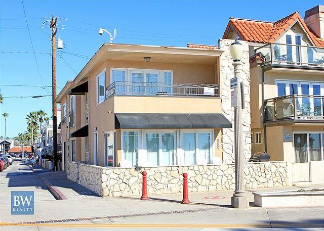 Oceanfront Single Family Home on the Boardwalk ! (68217) - Image 1 - Newport Beach - rentals