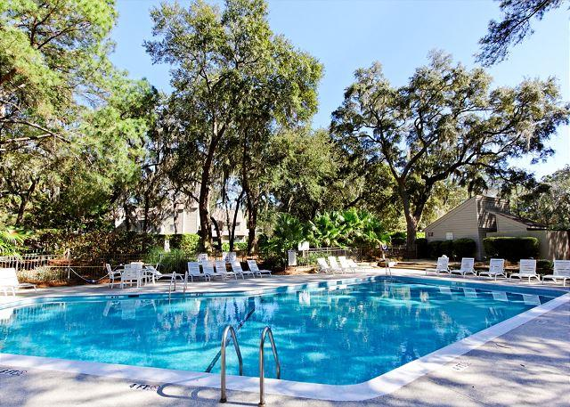 Racquet Club Pool - Racquet Club 2326, 1 Bedroom, Large Pool, Tennis, Sleeps 4 - Hilton Head - rentals
