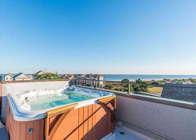 Roof Top Hot Tub - Bradley Circle 30B, Luxury 6 BR, Pool, Spa w/ Ocean View, Elevator, Sleeps 16 - Hilton Head - rentals