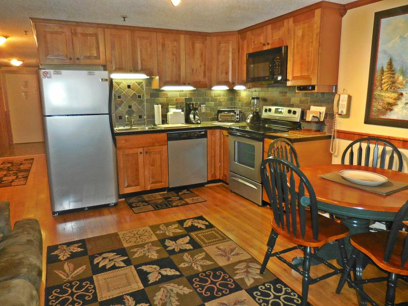 Welcome to ML278! - Great Location!  Walk to Village!  EZ Parking! - Snowshoe - rentals