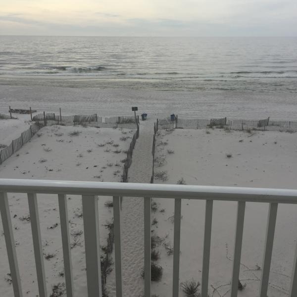 View of beach Area in front of Sundial - 450 / 3 nights all inclusive fall special-gulfside - Gulf Shores - rentals