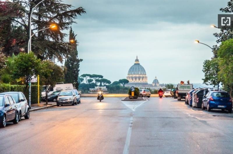 THE FANTASTIC VIEW OF ST PETER'S DOME FROM OUR STREET !!! - VATICAN - BIG APARTMENT, A/C, HEAT, WIFI, SAT TV - Rome - rentals