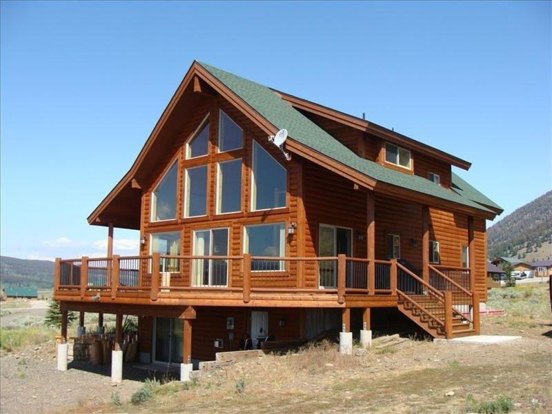 Front - 5 BEDROOM 3 BATH MINUTES FROM TOWN AND THE PARK. - West Yellowstone - rentals