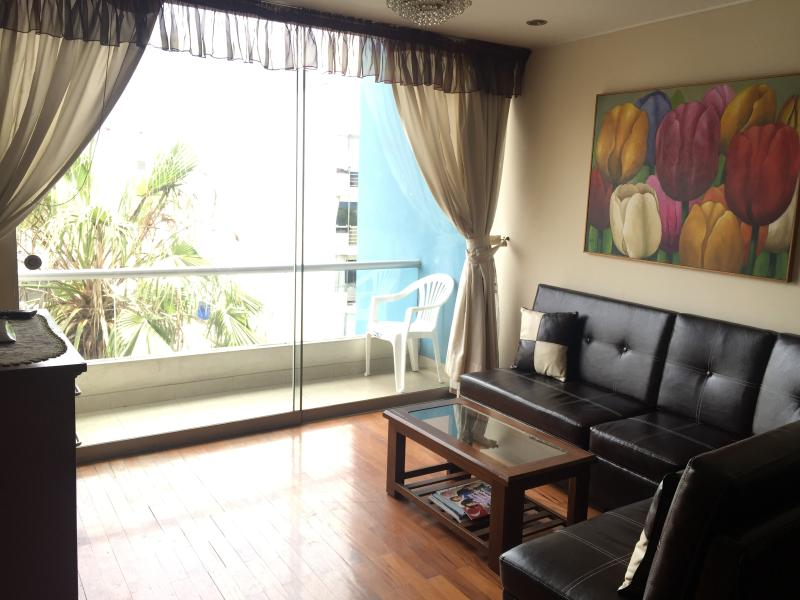 Furnished apt in Miraflores balcony laundry Wi-fi - Image 1 - Lima - rentals