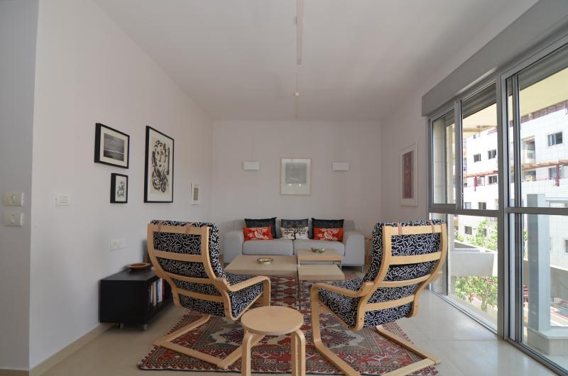 Ranak - (Old North) Tel Aviv - 2 Bed Apartment - Image 1 - Tel Aviv - rentals